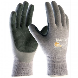 MaxiCut Resistant Level 5 Oil Gloves 34-470LP