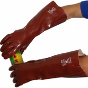 Standard Chemical Resistant Red 18'' PVC Gauntlet R245